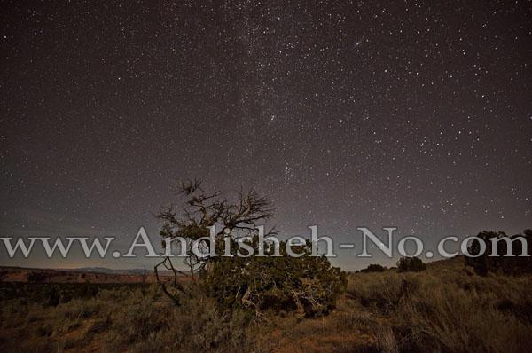 4Shooting%20stars%20at%20night - نحوه عکاسی از ستارگان چگونه است