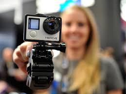 نحوه دست گرفتن دوربین گوپرو