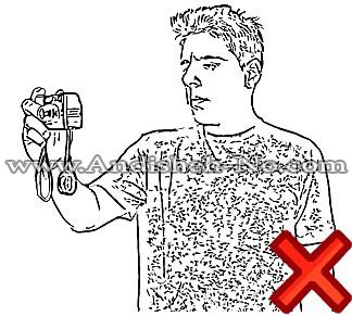 نگه داشتن دوربین با یک دست